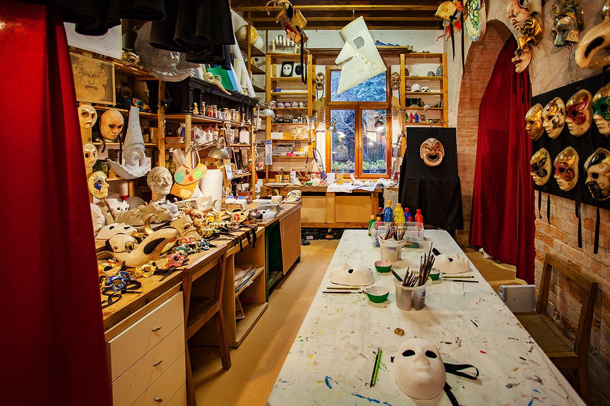 Мастер-класс по созданию венецианской маски в Венеции