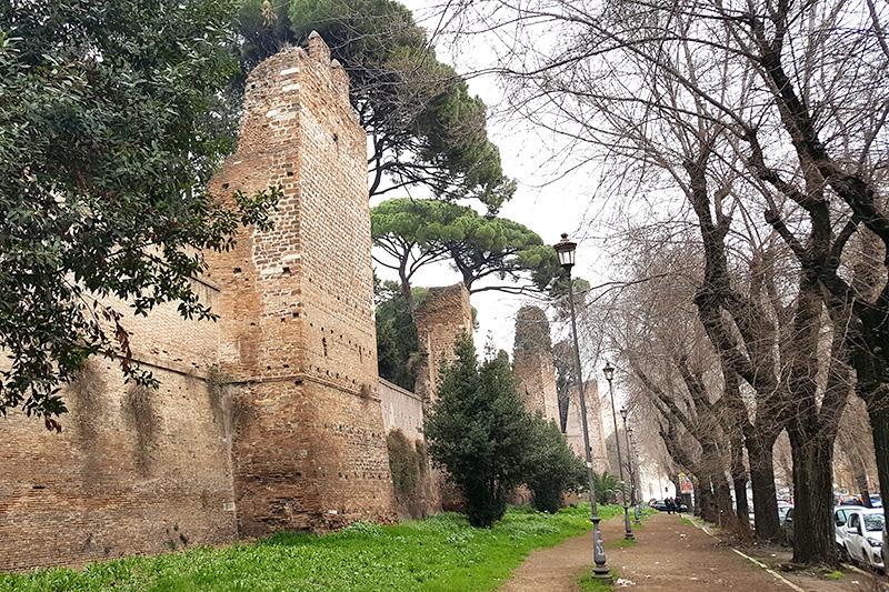 стена императора Аврелия