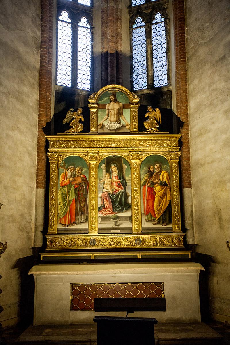Санта-Мария-Глориоза-деи-Фрари Мадонна на троне Бартоломео Виварини