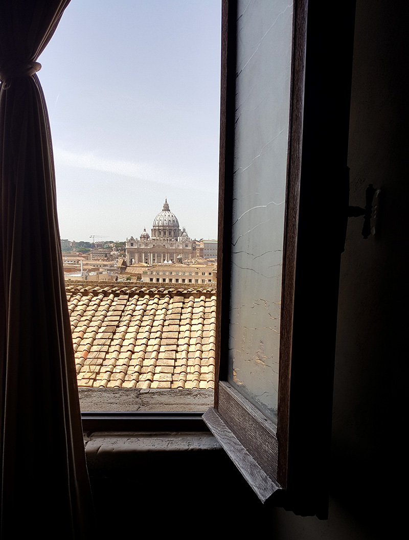 Вид на собор Святого Петра из замка Святого Ангела