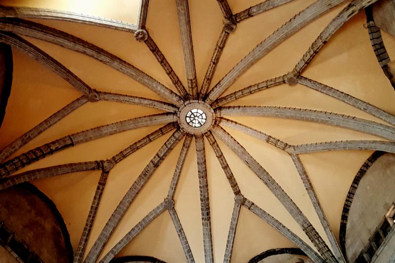 кастель нуово зал баронов