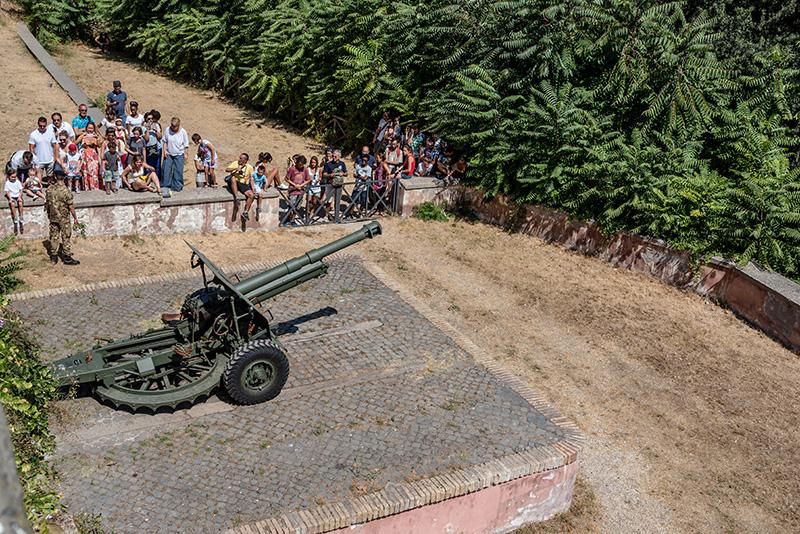 Пушка на холме Джаниколо