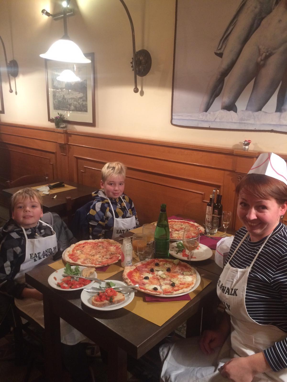 Участники мастер-класса по пицце 16.12.2018