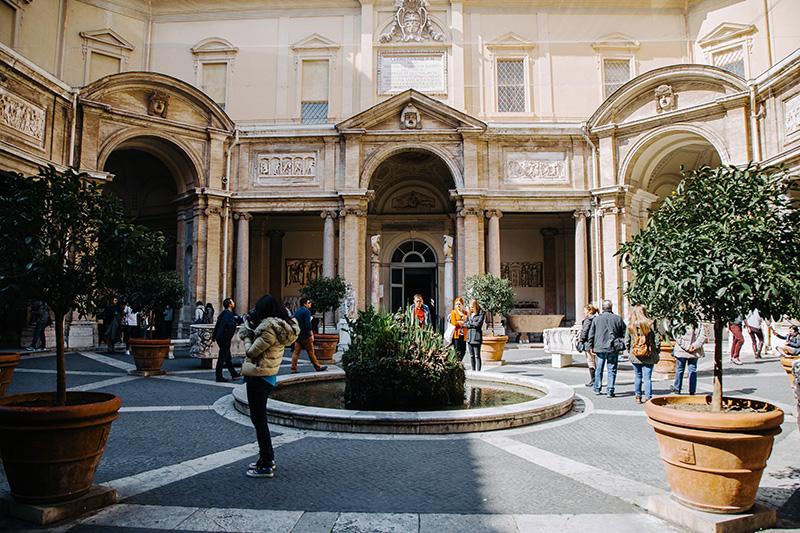 Октогональный двор, музей Пио-Клементино