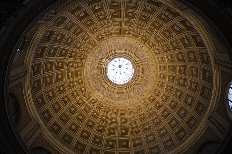 Потолок зала Ротонда с окулюсом