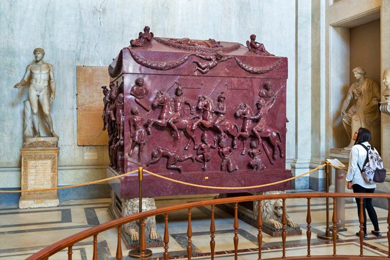 Саркофаг Святой Елены