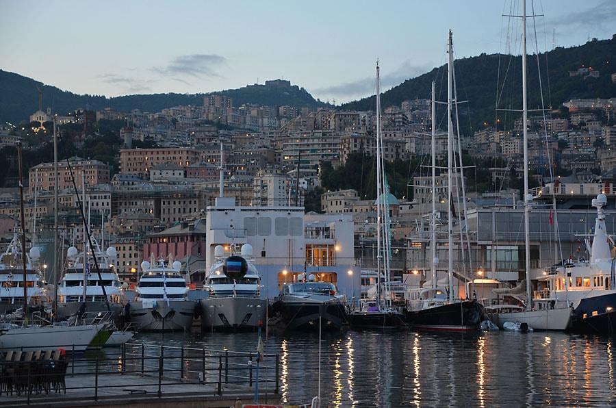Бухта на закате Что посмотреть в Генуе