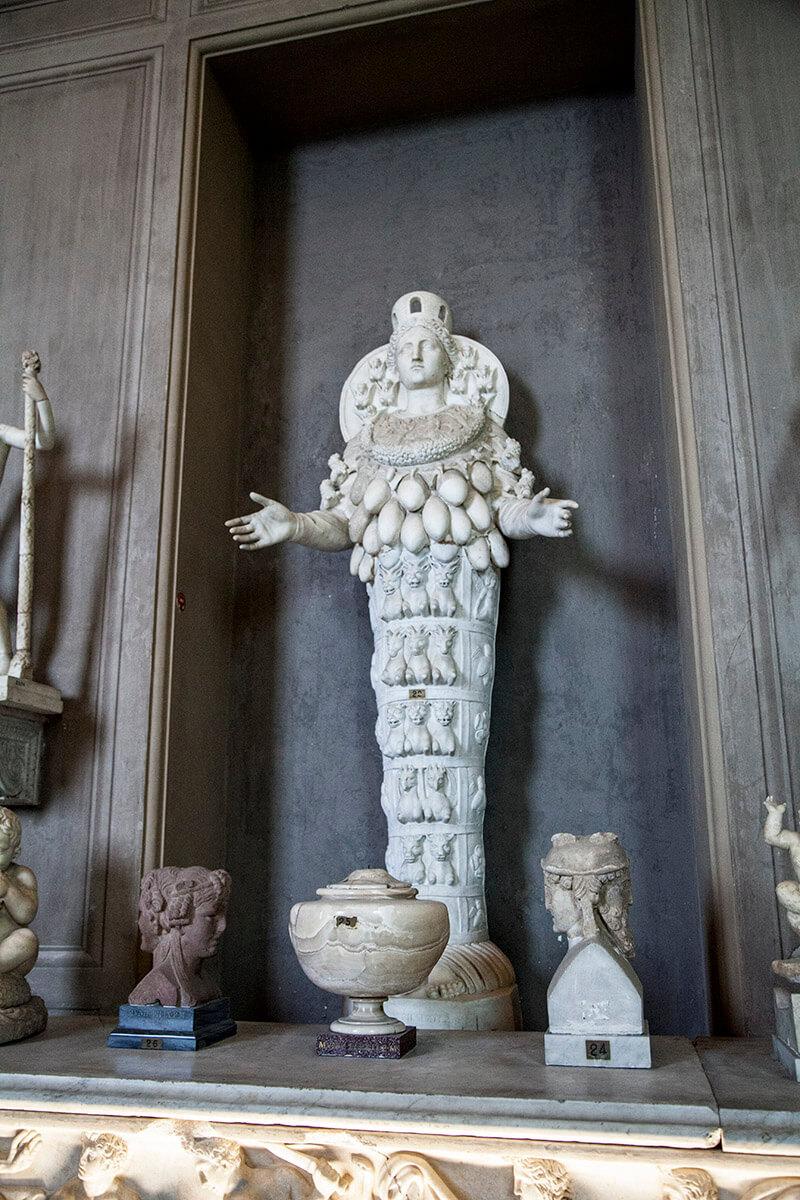 Артемида Эфесская галерея канделябров музеи ватикана