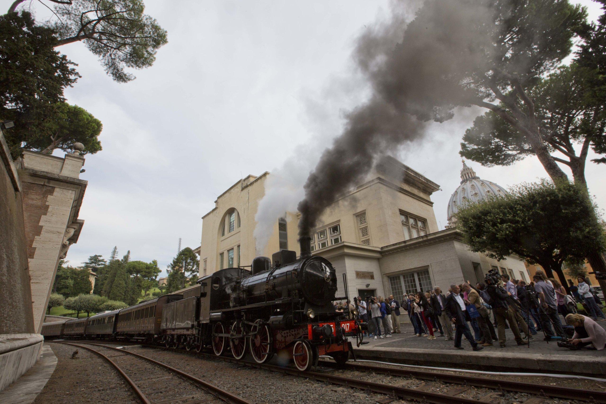 Первый поезд, отправившийся из Ватикана в Кастель Гандольфо, 2015 год