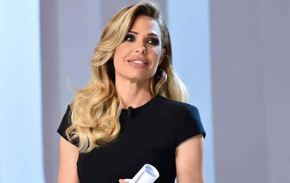 Римлянка Илари Блази, жена всемирно известного и любимого «Короля Рима» Франческо Тотти, популярная телеведущая, актриса и фотомодель