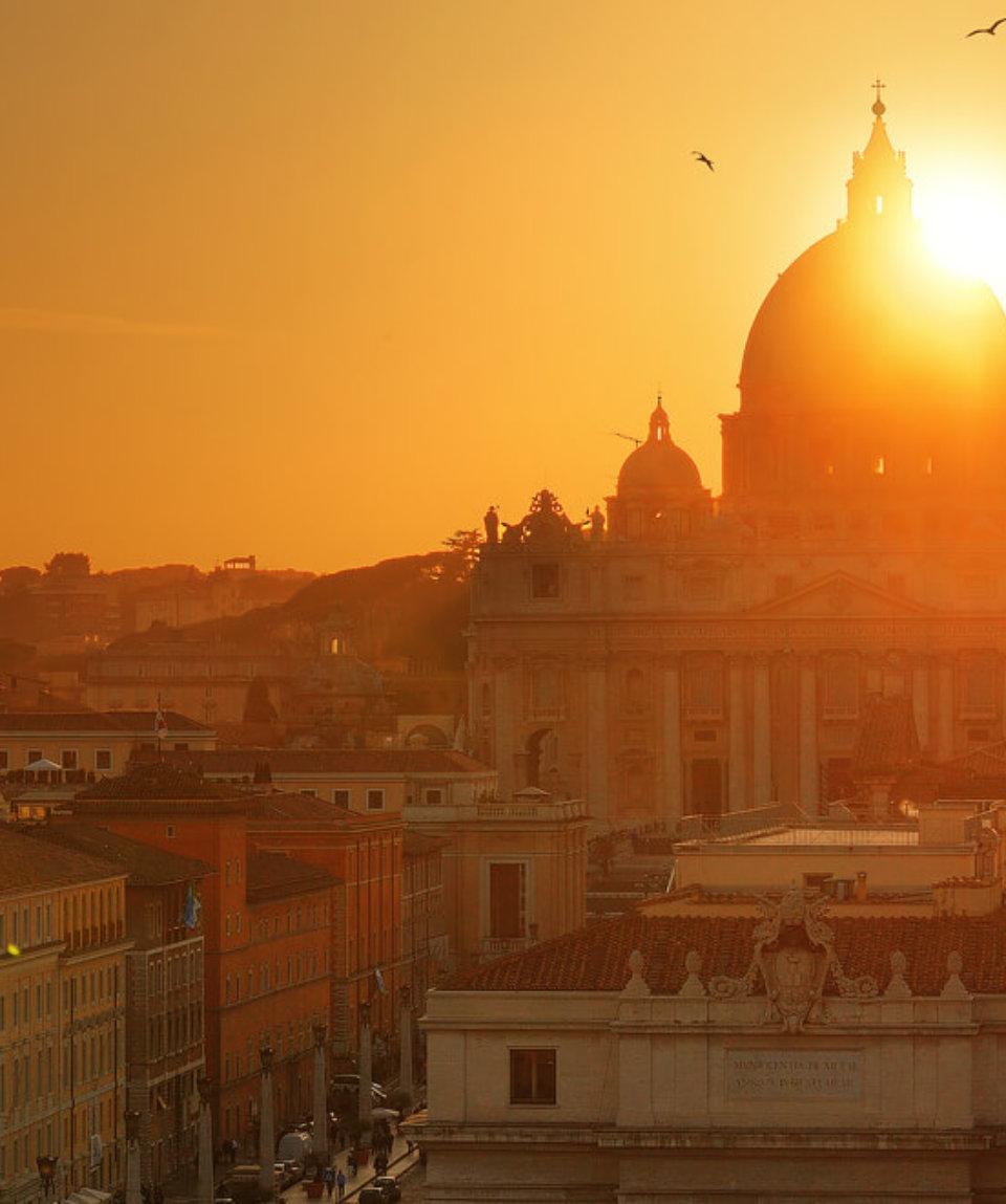 Ватикан на рассвете